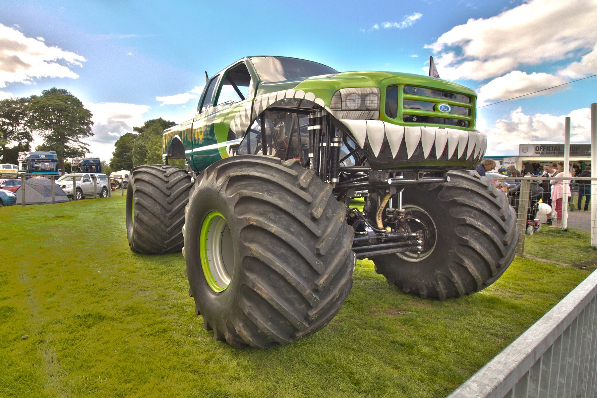 Lucas Oil Uk Swamp Thing Monster Truck