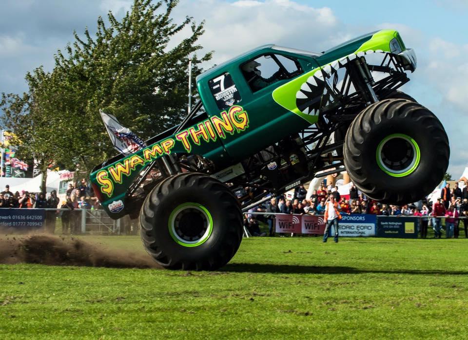 Lucas Oil Uk Swamp Thing Monster Truck